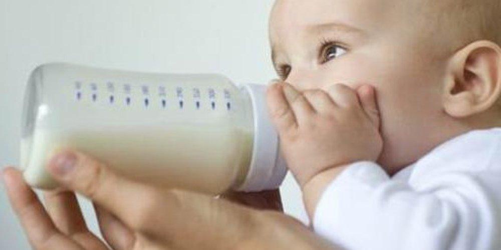 Как кормить ребенка смесью?