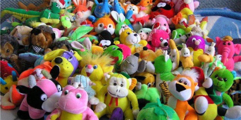 Как научить ребенка собирать игрушки?