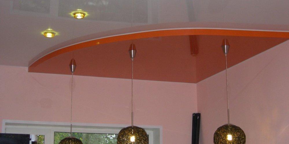 Нужен ли натяжной потолок в детской комнате?