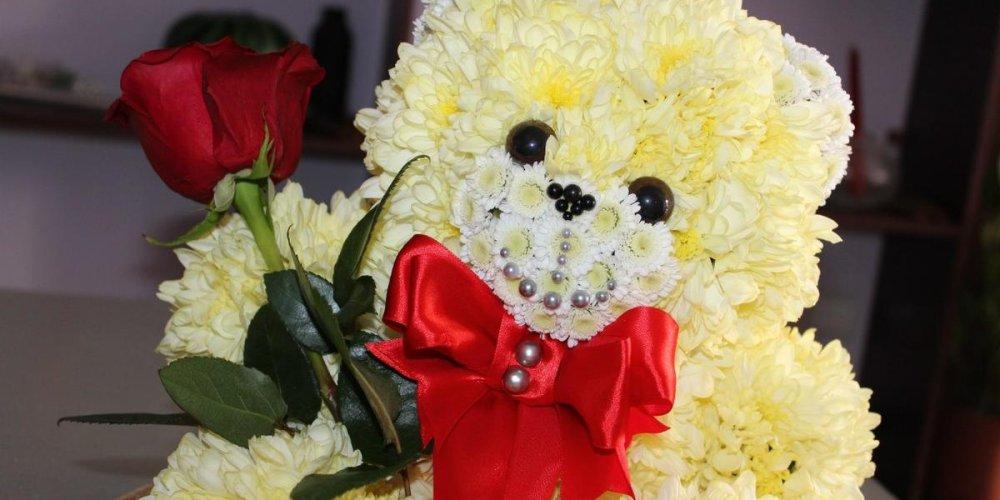 Игрушки из цветов – подарок, призванный покорять