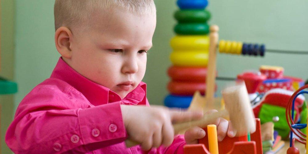 Развитие малыша: знакомим ребенка с окружающим миром