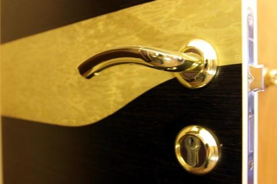 Правильный выбор двери (3)