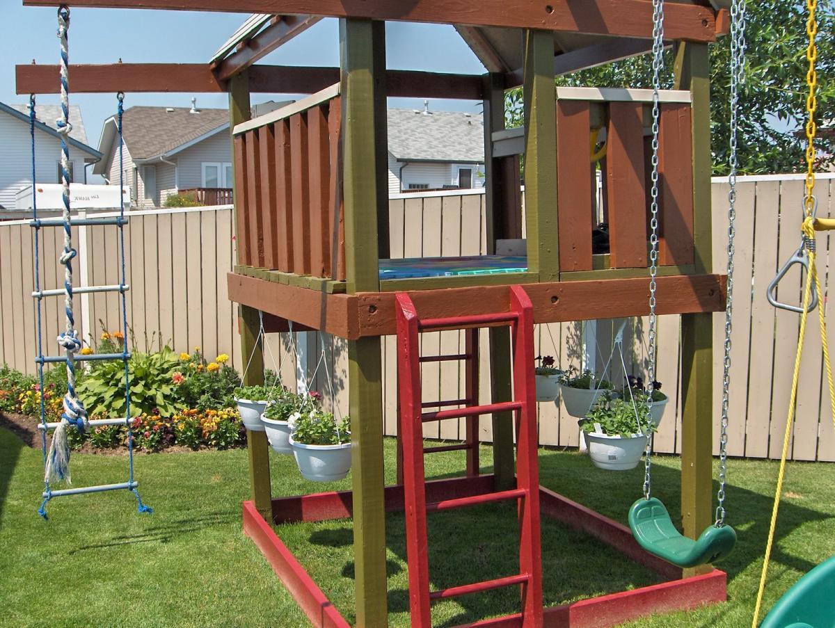 Как сделать дома детскую площадку своими руками