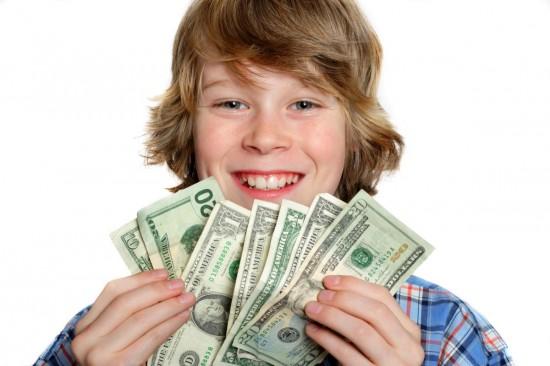 Нужно ли поощрять ребенка деньгами за оценки