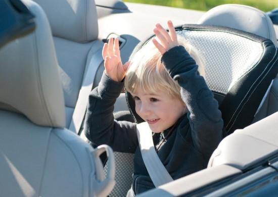 Перевоз детей в автомобиле