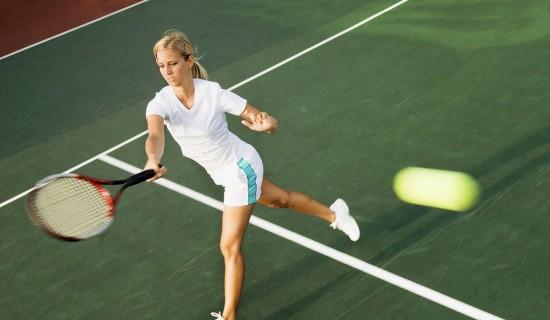 Путь к долголетию через игру в теннис