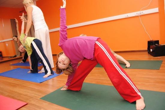 Развиваемся с пользой: детская йога1