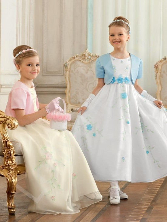 Маленькая принцесса идет на праздник 3