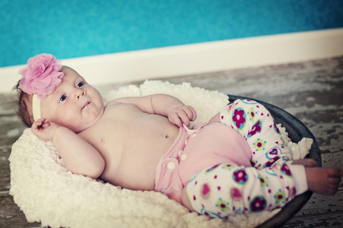 Новорожденный Ребенок Голый