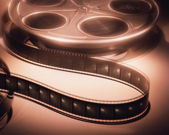 Плед, конфеты и любимый фильм