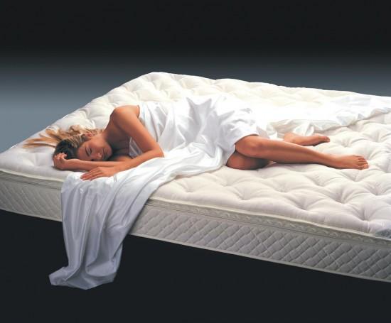 Подушка и матрас