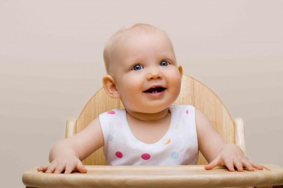 Как научить малыша есть самостоятельно1