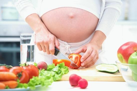 Питание при беременности рыбными продуктами.