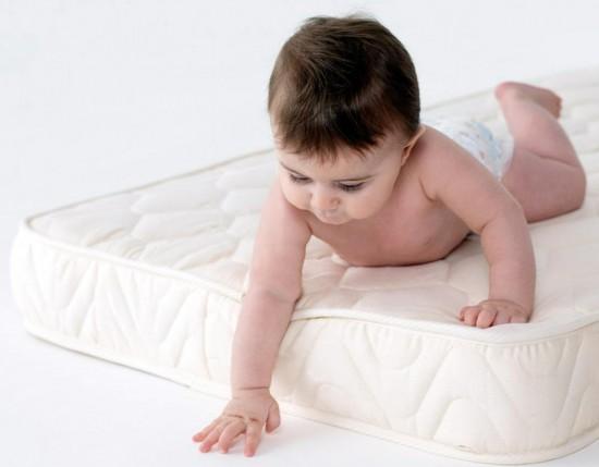 Особенности выбора ортопедического матраса для детей