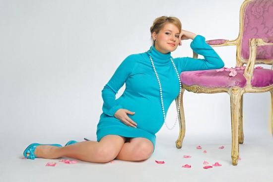 Насморк у беременной женщины: чем лечить?