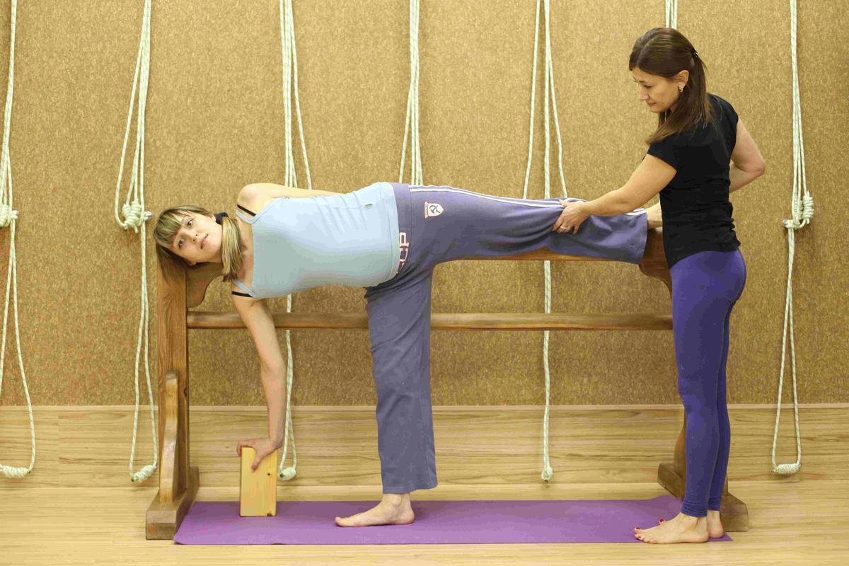 Позиционная терапия для беременных на четвереньках