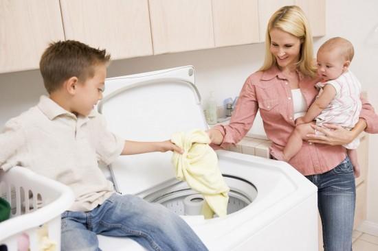 Как правильно стирать вещи новорожденного?2