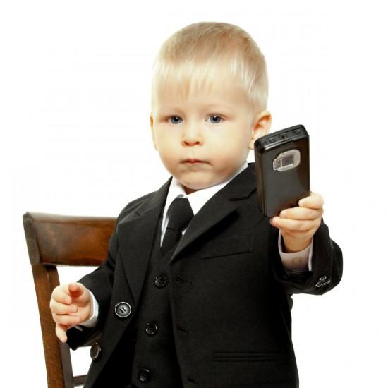 Когда покупать ребенку мобильный телефон3