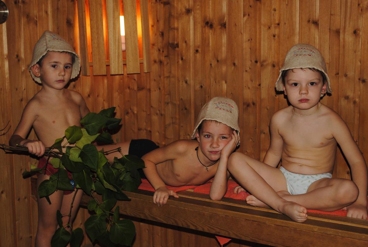 кровать для ребенка до 3 лет с бортиком фото